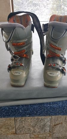 Продавам ски обувки Росиньол