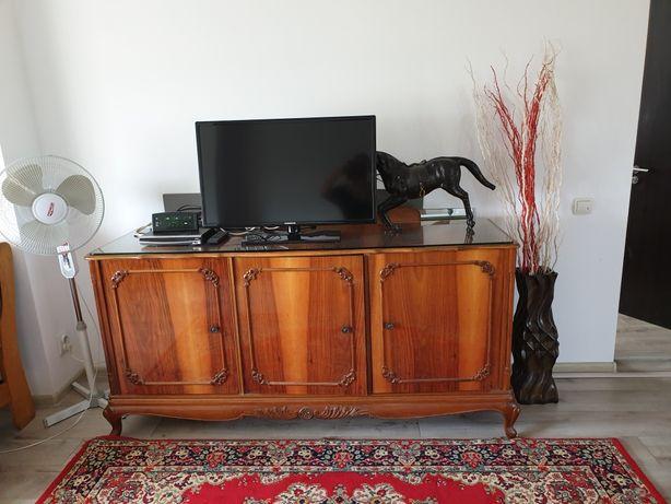 Madrigal Bufet /Comoda din lemn masiv, furniruit lemn nuc;