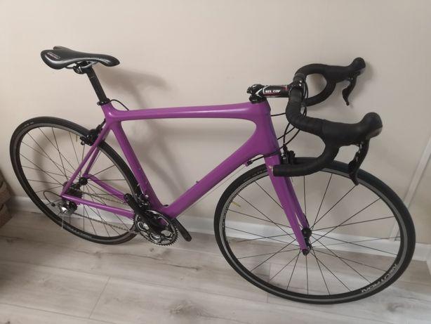 Продам шоссейны велосипед Trek
