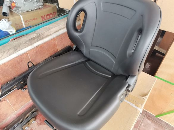 седялка за мотокар нови универсални