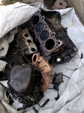 Запчасти на Мазду 323F двигатель сборе 8 клапан