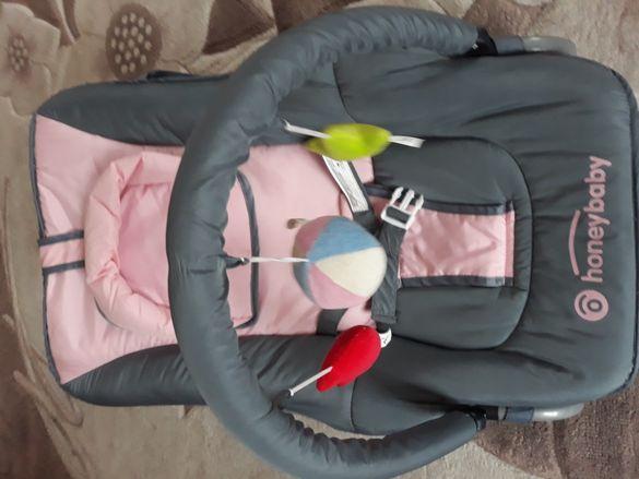 Шезлонг за бебе хъни