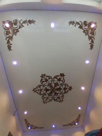 Натяжной потолок левкас обои