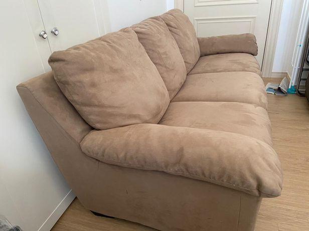 Продаю итальянские диван и 2 кресла
