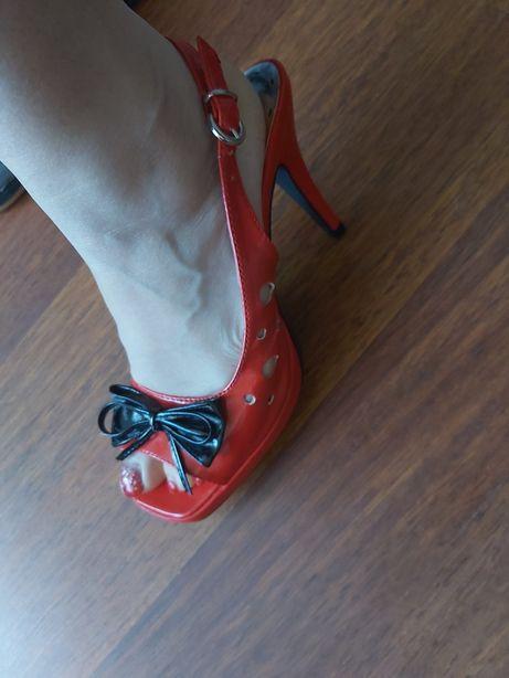 Sandale, model deosebit!