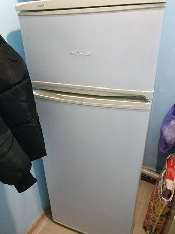 Холодильник .б.у в хорошем состоянии