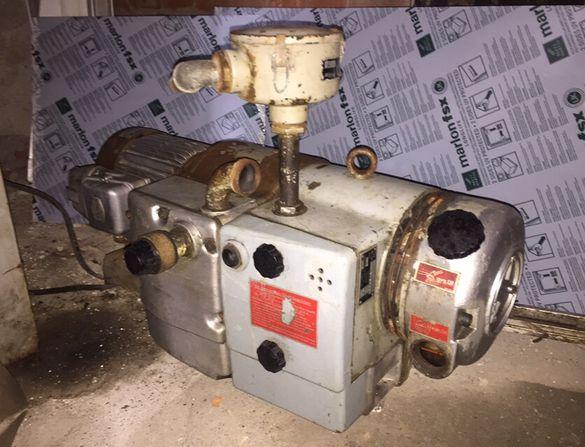 Маслен компресор от печатарска машина
