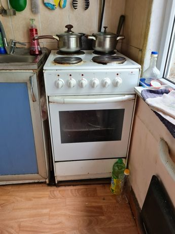 Срочно продам электро плиту.
