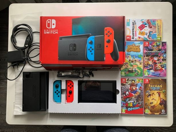 OCAZIE. Se vine consola jocuri Nintendo Switch ca noua!