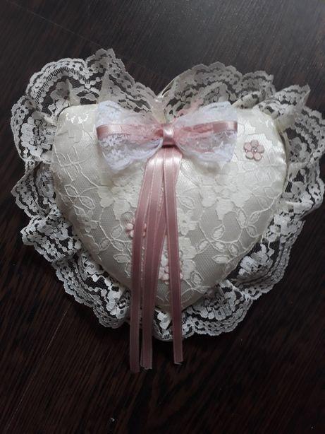 Vand perniță pt verighete si alte accesorii de nunta