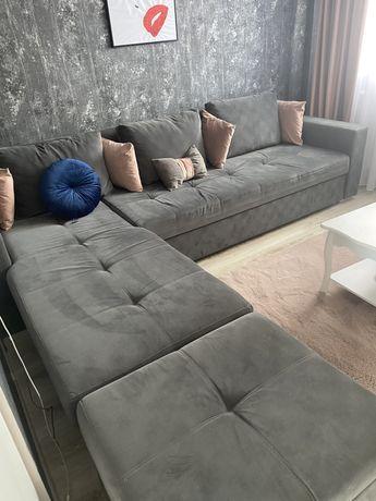 Canapea extensibila cu lada depozitare