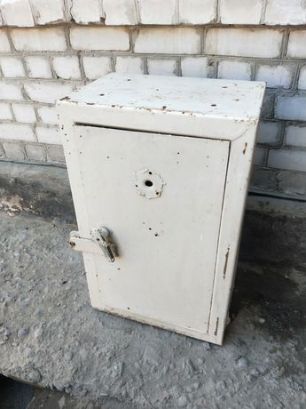 Охотничий сейф металлический