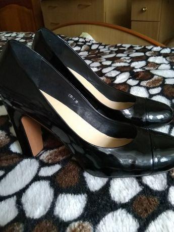 Продам туфли 38 размер