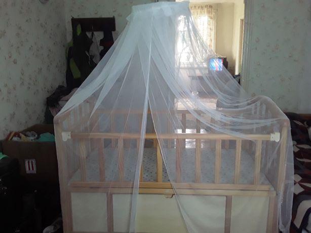 Детская кровать и вещи
