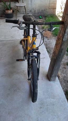 Велосипед FUJI подростковый в нормальном состоянии.
