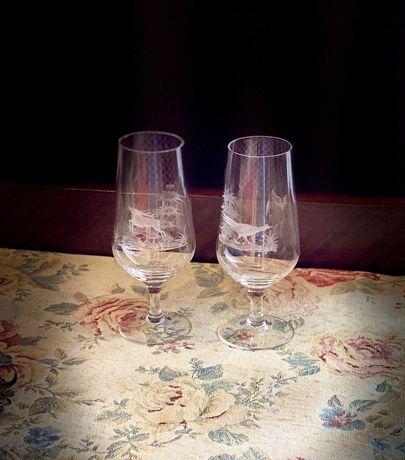 107a Set 2 pahare vechi vanatoresti din cristal inceput de 1900.