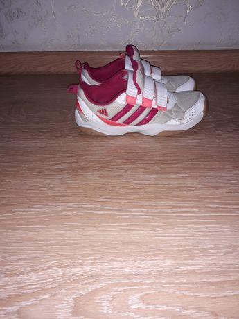 Фирменные кроссовки Adidas размер 38