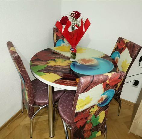 Masă cu 4 scaune