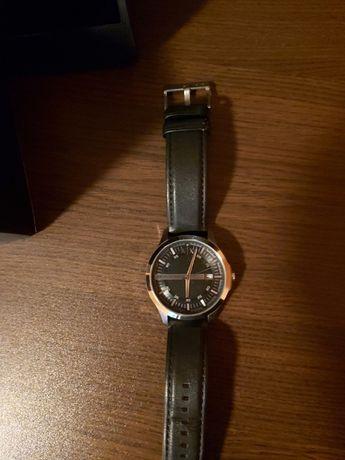 Часовник Armani Exchange с кожена каишка