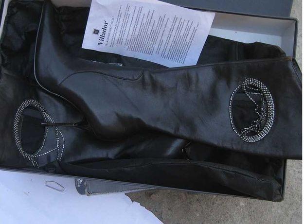 Новые кожаные осенне-весенние сапоги со стилем, черный цвет, на 38 раз