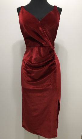 Rochie roșie din catifea
