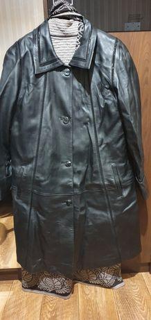 Кожаная куртка на женщину 3000