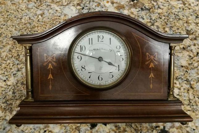 Ceas vechi de semineu Walker & Hall LTD