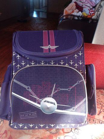 Продаётся школьный рюкзак