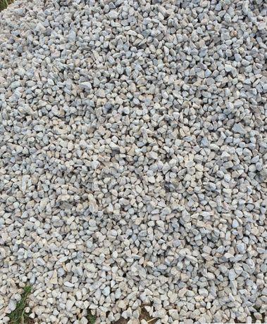 "Transport si vand piatra "" cap de miel "" nisip pietris beton pamant"