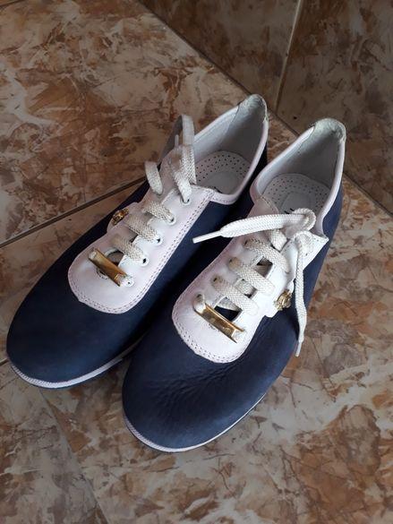 Нови дамски спортни обувки,номер 36