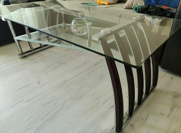 Холна стъклена маса