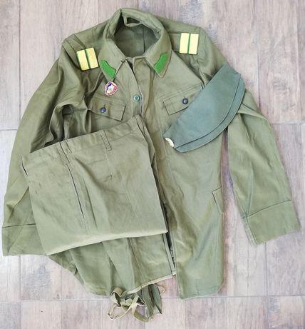 Caporal Grănicer Uniforma militara Soldat în termen perioada comunista