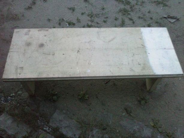Деревянный стол б/у