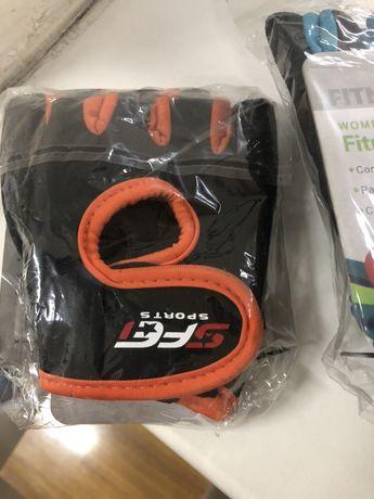 Перчатки для спорта женские