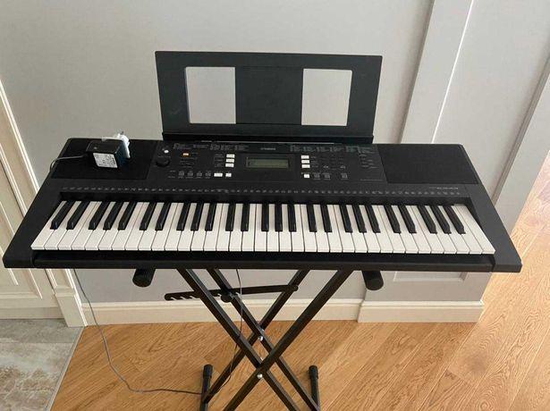 Продам синтезатор-пианино Yamaha