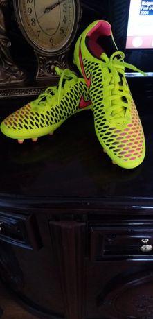 Кроссовки бутсы Nike