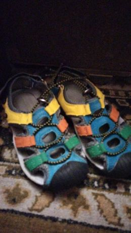 Продам сандалии, б.у.