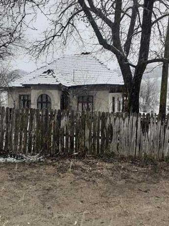 Casa batraneasca de vânzare
