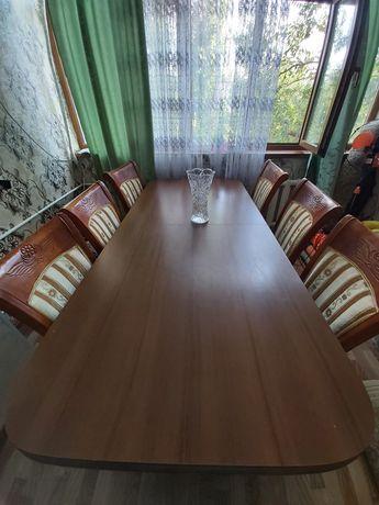 Продаю стол и 6 стулья