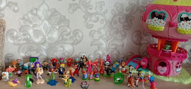 Домик и 60шт игрушек от Киндер  сюрприз