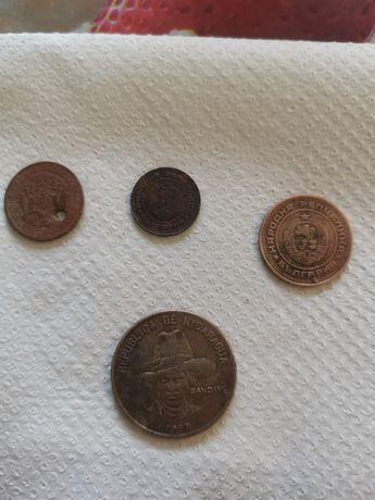4 монети...3 български и една никарагуанска