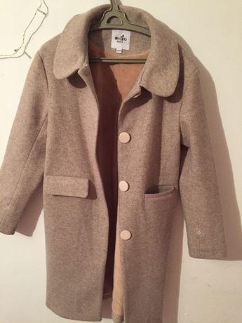 Новая пальто продам осеннее