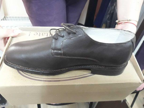 Pantofi militari