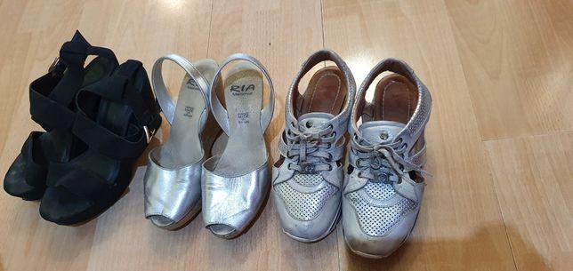 Срочно продам кроссовки сандали