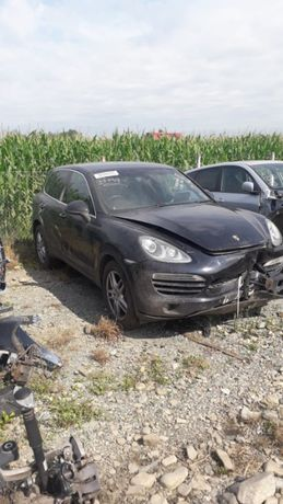 Dezmembrez Porsche Cayenne 3.0 diesel 2012 piese.