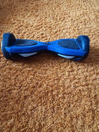 Vând hoverboard, folosit ,in stare foarte bună.
