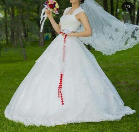 Шикарноое Свадебное платье
