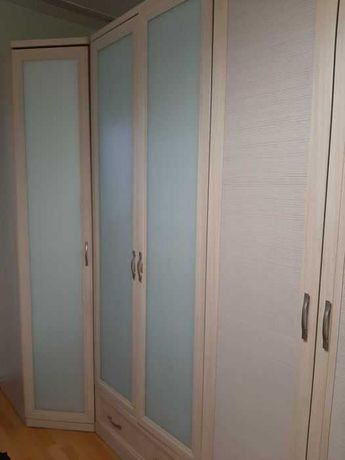 срочно продается шкаф в спальную комнату