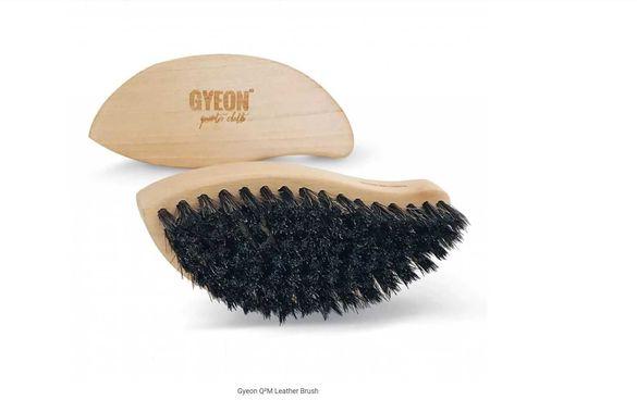 Gyeon Q²M Leather Brush / четка за кожа с естествен конски косъм