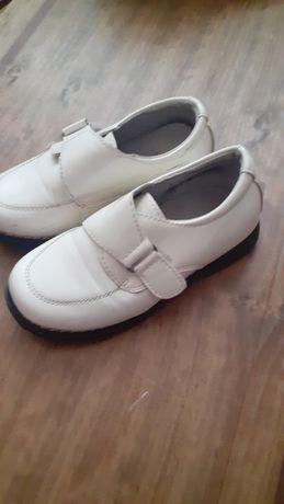 Обув мальчиковые